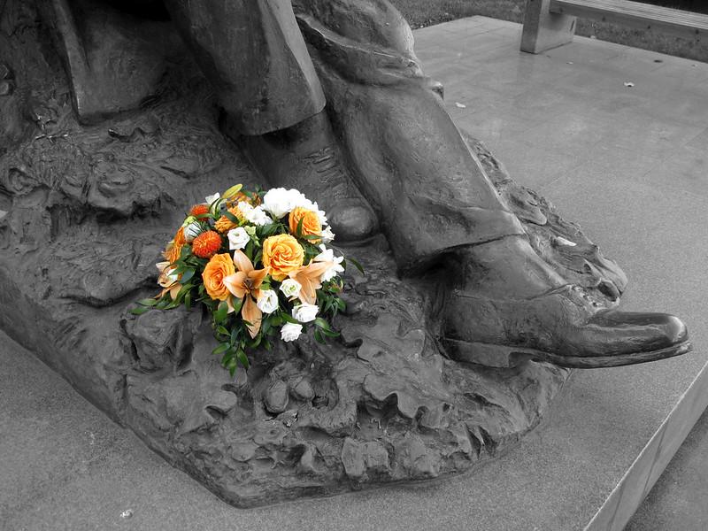 Шаляпин (Monument to Feodor Chaliapin), b&w ver.3