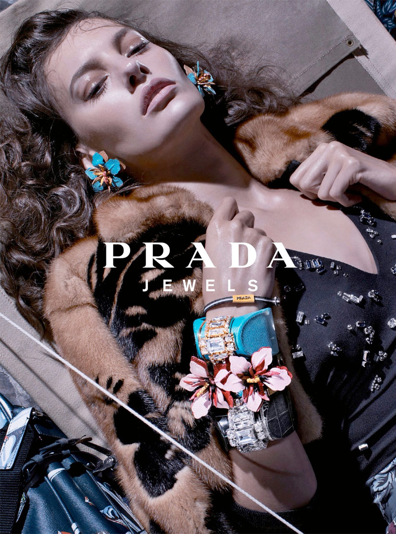 800x1078xprada-resort-2014-campaign-5.jpg.pagespeed.ic.HTa_gTMLCj