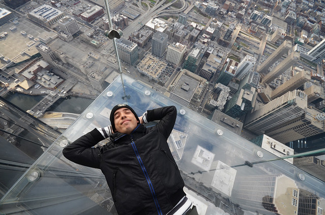 Durmiendo en el skydeck de la Willis Tower de Chicago