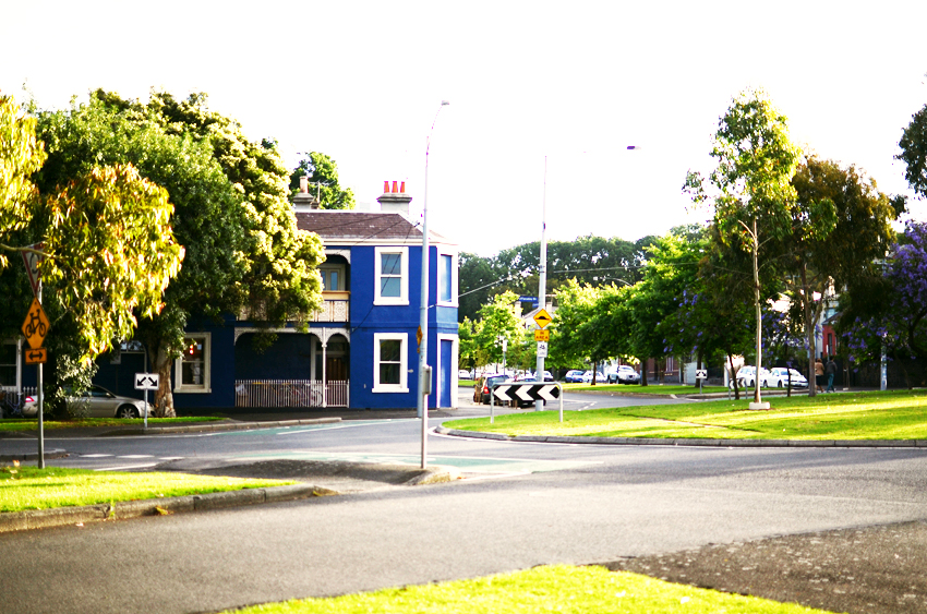 blue-house-carlton