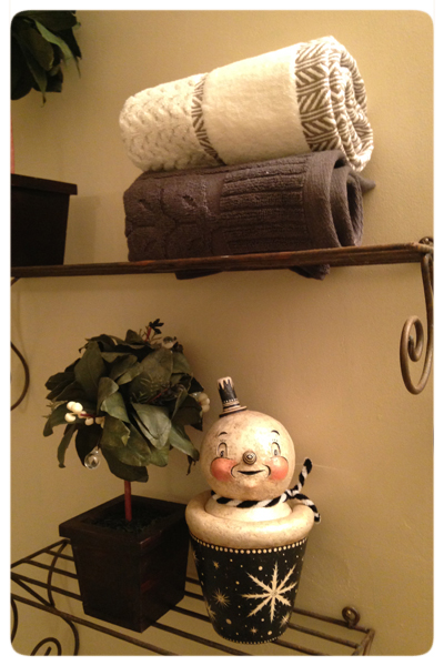 Martha's-Photo-Johanna-Parker-Collection-Bathroom-Snowman