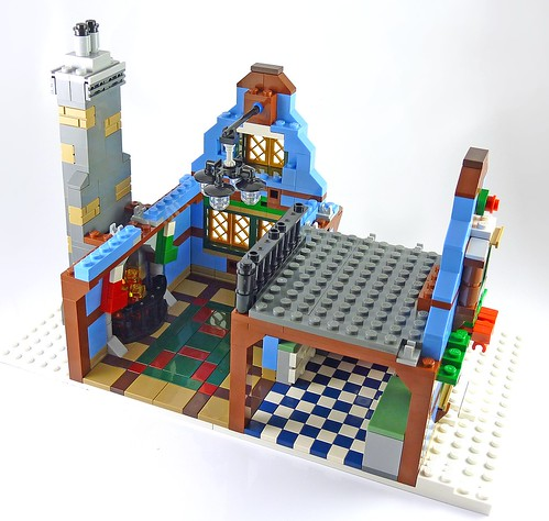 LEGO 10229 Winter Village Cottage b08