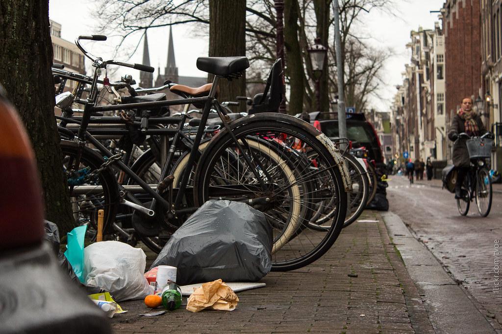 Мусор в Амстердаме