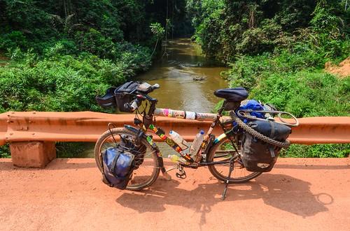18000km africa bicycle bikeseries bridge day415 gabon moyenogooué river routeéconomique freewheelycom cycling vélo cycletouring cyclotourisme velo jbcyclingafrica