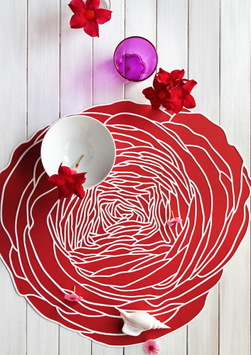 paper-cutting-centerpiece