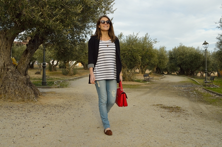 lara-vazquez-madlula-blog-casual-stripes-leopard-red-jeans