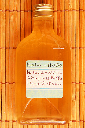 Hugo Cocktail Holunder Holunderblüte Sirup selber machen Rezept Pfefferminze Zitronensaft lecker