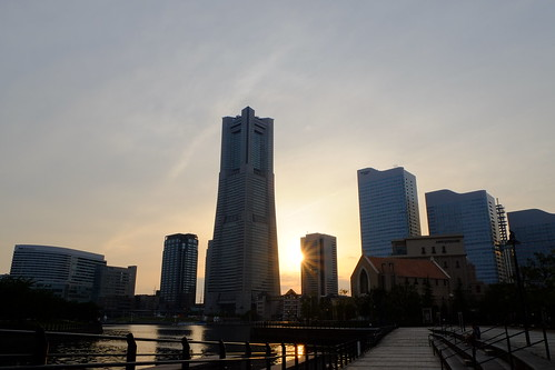 sunset sky cloud sun building japan yokohama minatomirai