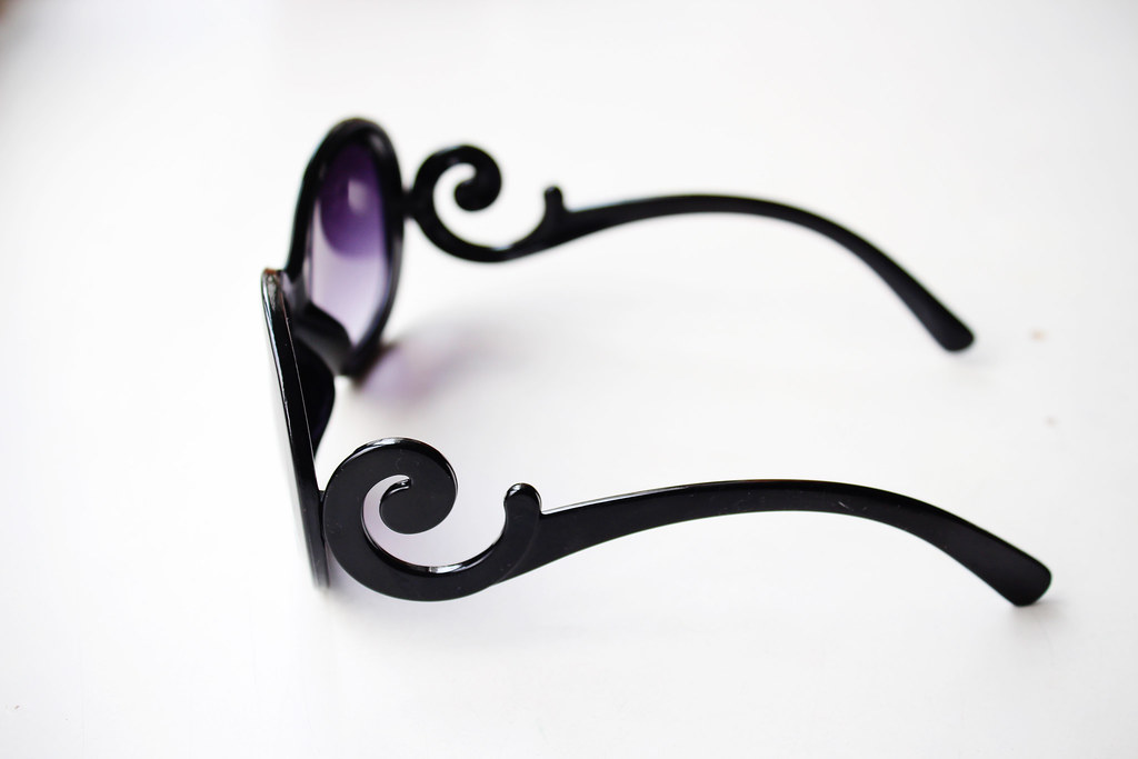 Fashion-bloggers-review-on-items-accessories-bought-on-Ebay-sunglasses