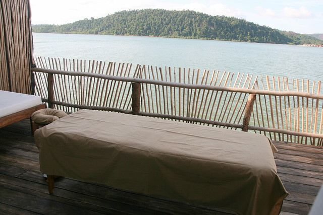 You can choose to have your spa massage right on the balcony