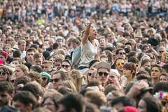 audience(0.0), stampede(0.0), people(1.0), cheering(1.0), crowd(1.0),