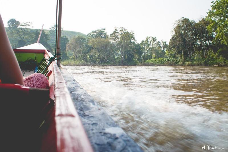 Navegando por Kok River