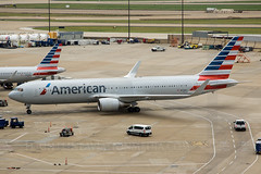 American Airlines Boeing 767-323/ER N379AA