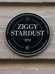 Photo of David Bowie black plaque