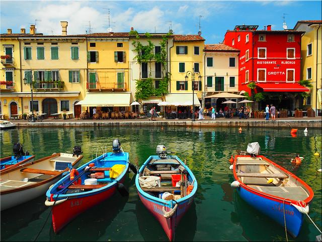 The wonderful  port of Lazise on Lago di Garda