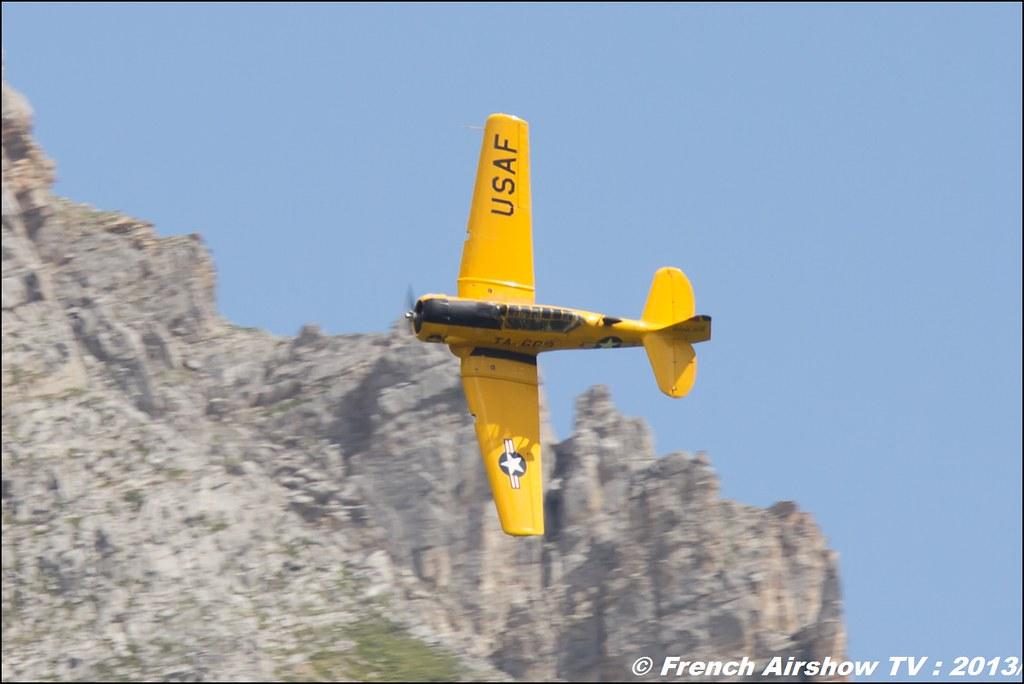 T-6 AeroRetro jaune T-669 , Meribel Air Show 2013