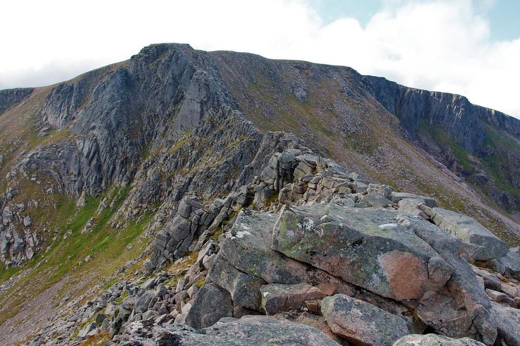 The Fiacaill Ridge