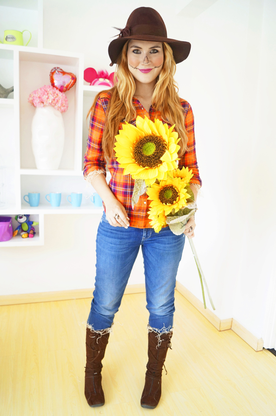 The Joy of Fashion: {Halloween}: Easy Scarecrow Costume - Simple Halloween Costumes