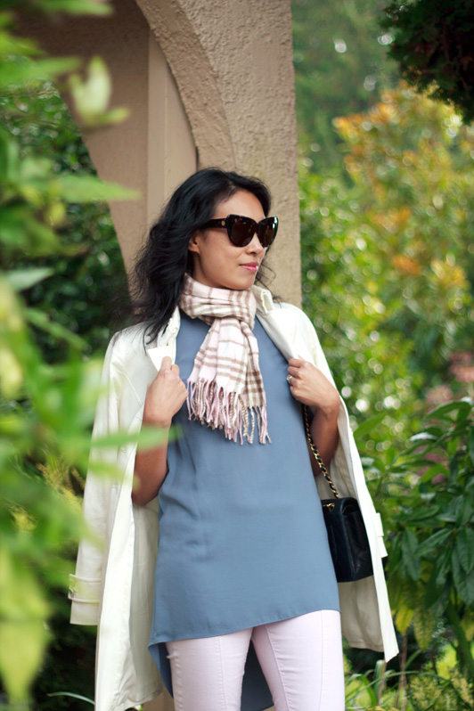 HRH Collection top, Burberry pink cashmere scarf, Chanel purse, House of Harlow 1960 Chelsea sunglasses, Pour La Victoire nude pumps, fashion, style, fall, Bloggers Do It Better Challenge