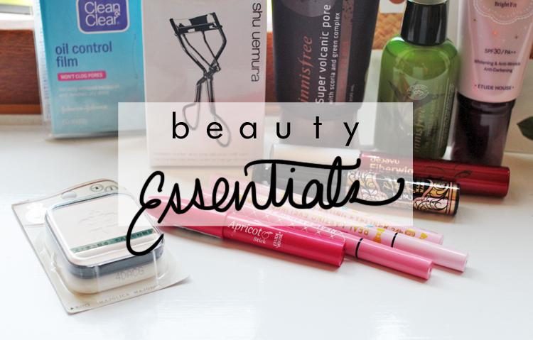 close up eyeliner title