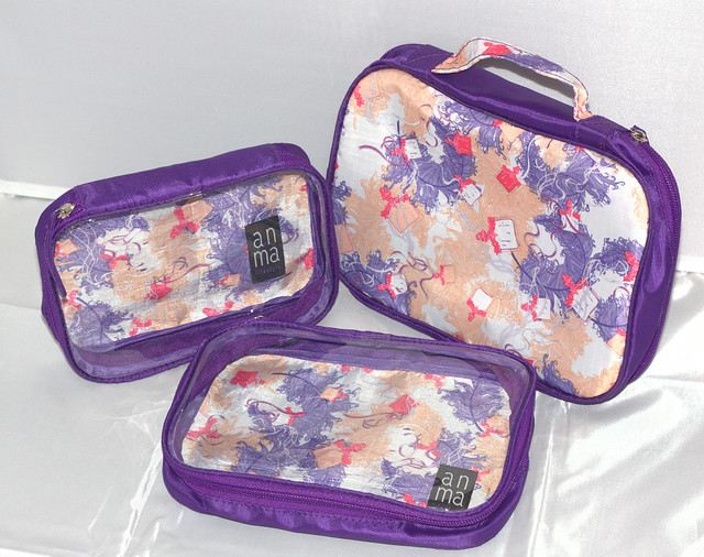 plastic-travel-organizer