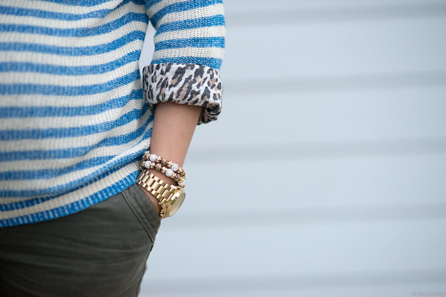 blue striped sweater 006