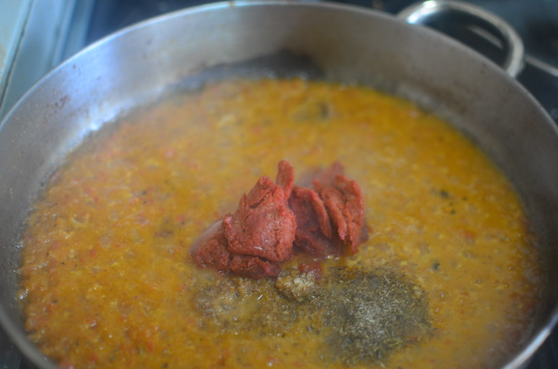 Making of Groundnut sauce