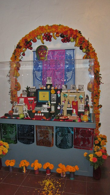 IMG_4871 day of the dead santa barbara museum of natural history display