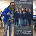 En nöjd Bissen Larsson hämtar 6 st rolluper för utmaningen. Kampanjpris 995kr + moms.