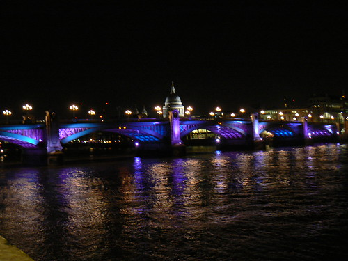 Nighttime on Thames