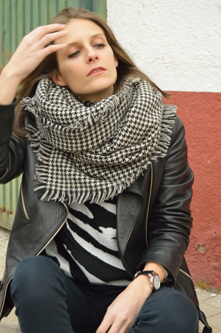 lara-vazquez-madlula-casual-look-blackandwhite-outfit
