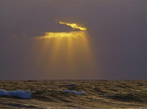 sun clouds sunrise day hole florida cloudy stuart rays burst hutchinsonisland