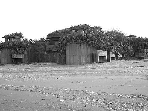 Gio, 10/10/2013 - 17:06 - Spiaggia di Gǔníngtóu Lóngkǒu - 古寧頭 嚨口: caposaldo W-011 據點 - 安東三號營