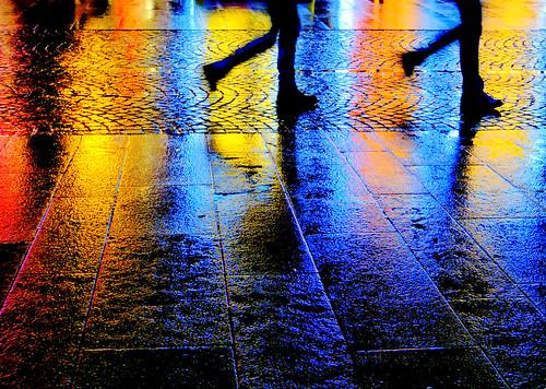 camminando  sotto la  pioggia !!! by gpaolini50