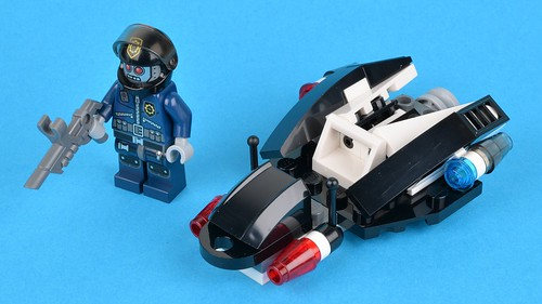 30282 Super Secret Police Enforcer