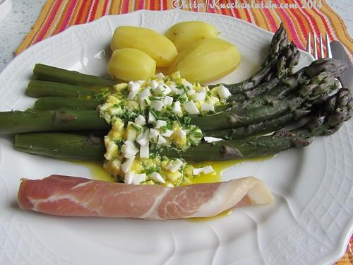 ©Ehemals violetter Spargel mit Bozner Sauce Schinken und Kartoffeln (1)