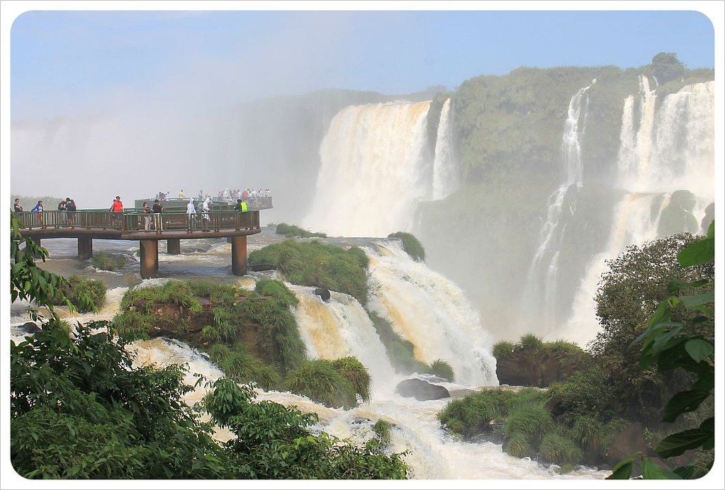 brazil iguazu falls walkway