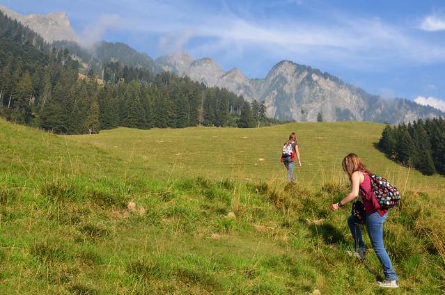Caminando valles en dirección la casita de Heidi