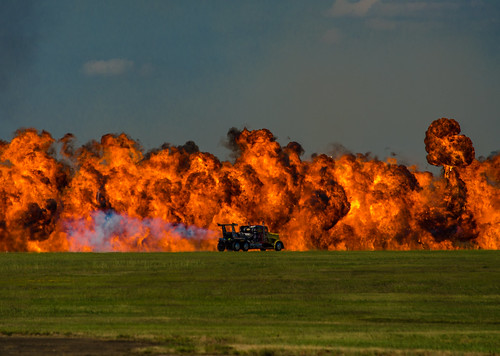 hot truck fire memphis awesome airshow millington shockwave jettruck millingtonregionaljetportnqa