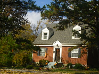 Autumn house - Cliff