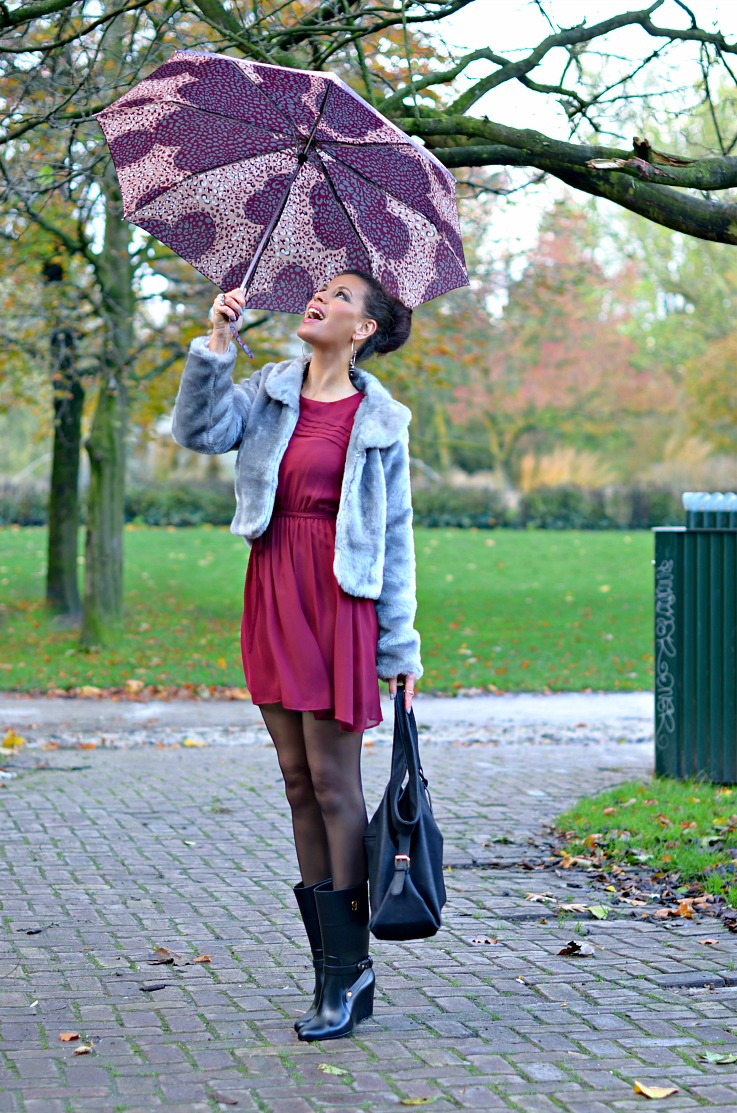 DSC_7740 umbrella, wedged rainboots Supertrash resize2