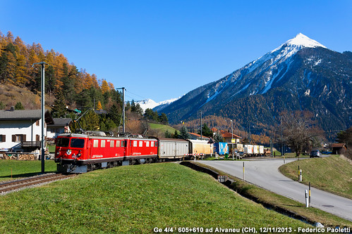mountains train montagne switzerland merci swiss railway zug container svizzera ge bahn stazione treno freight carri 44 605 ferrovia rhb elettrica pontresina locomotiva 610 landquart ferroviaretica alvaneu
