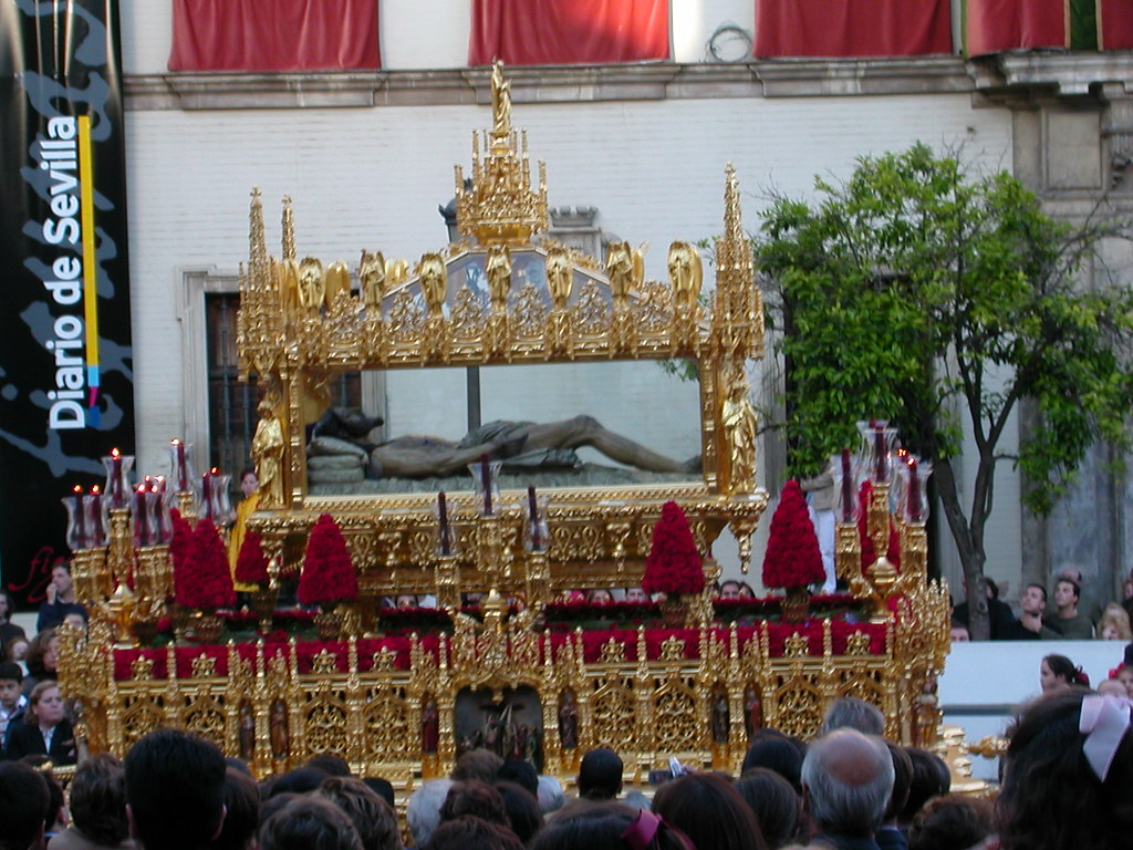 Hermandad del Santo Entierro, Sevilla