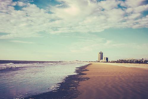 gulfofmexico galvestonisland eastbeach texasgulfcoast galvestontx january2014