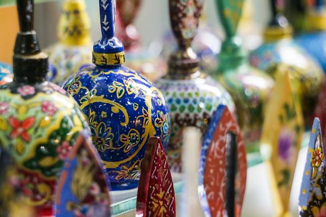 Persian miniature eyeliner pots in Shiraz シラーズ、細密画のアイライン壺