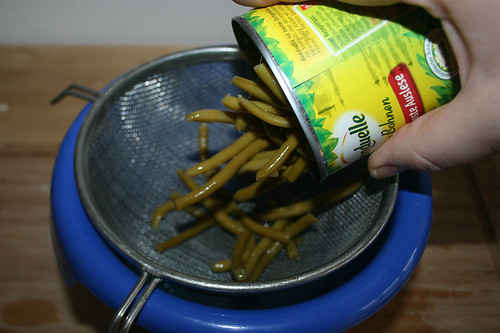 16 - Bohnen abgießen / Drain beans