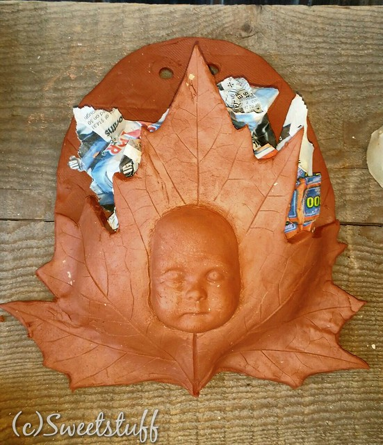 My leaf face wall pocket