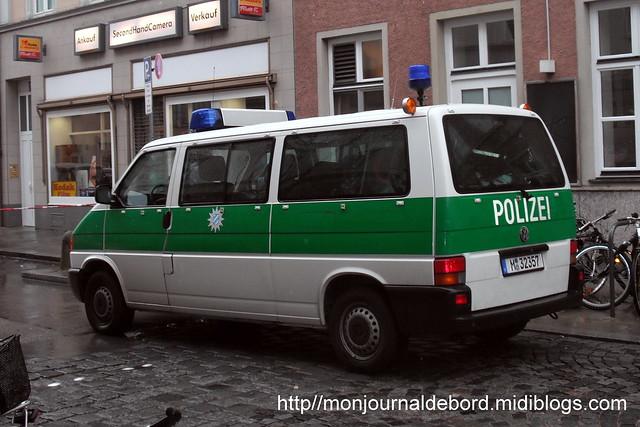 Véhicule Polizei VOLKSWAGEN