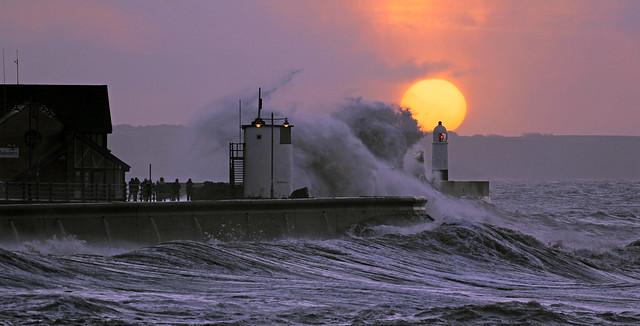 Porthcawl - Sunrise @ High Tide