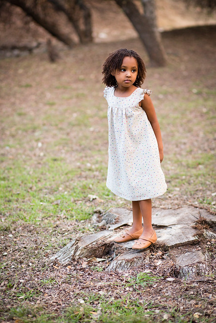 kids clothes week : happy homemade dress with frilled shoulders